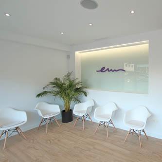 Clínica dental Las Rozas sala de espera